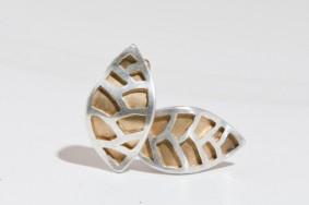 Blij verrast door opstelling sieraden bij Kunstuitleen